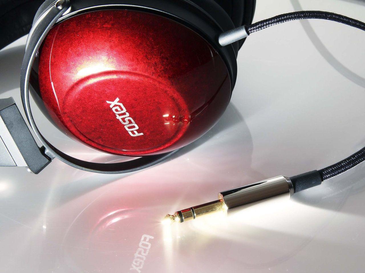 fostex-premium-headphones-002