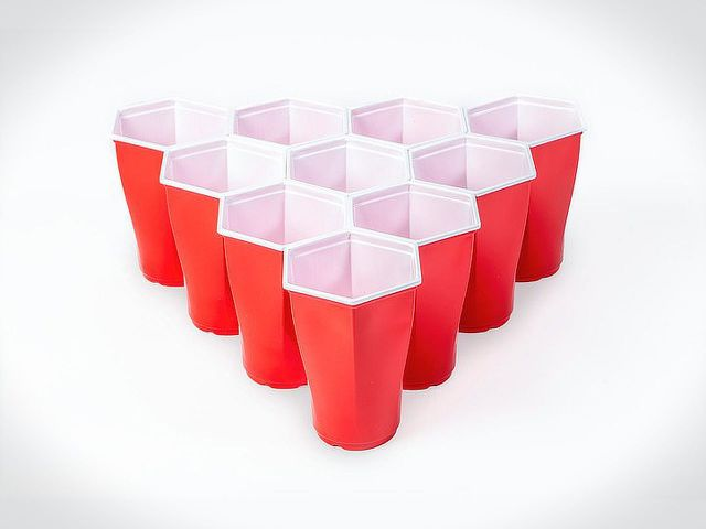 hexagonal-beer-pong-cups-003